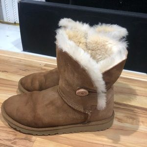 Uggs size 6 perfect condition